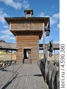 Купить «Деревянный башня на территории Измайловского кремля, район Измайлово, Москва», эксклюзивное фото № 4590380, снято 22 апреля 2013 г. (c) lana1501 / Фотобанк Лори