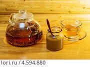 Травяной чай с мёдом. Стоковое фото, фотограф Александра Задохина / Фотобанк Лори