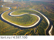 Вид сверху на таежную равнинную реку осенью. Стоковое фото, фотограф Владимир Мельников / Фотобанк Лори