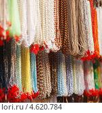 Купить «Индийские бусы на местном рынке», фото № 4620784, снято 20 ноября 2012 г. (c) photoff / Фотобанк Лори