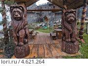 Деревянные медведи. Сонькина лагуна. Город Сатка (2012 год). Редакционное фото, фотограф Печеркин Артем / Фотобанк Лори