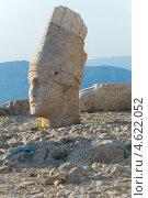 Купить «Статуи на горе Немрут в Турции», фото № 4622052, снято 19 августа 2008 г. (c) Stockphoto / Фотобанк Лори