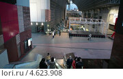 Купить «Зал Marunochi hall на станции Киото, Япония», видеоролик № 4623908, снято 13 мая 2013 г. (c) Кекяляйнен Андрей / Фотобанк Лори