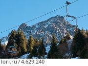 Подъёмник для горнолыжников. Канатная дорога (2012 год). Стоковое фото, фотограф Alioshin.aleksey / Фотобанк Лори