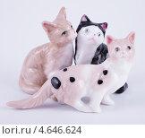Купить «Сувенир. Кошачья семья», фото № 4646624, снято 12 мая 2013 г. (c) Литвяк Игорь / Фотобанк Лори