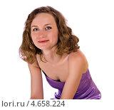 Девушка в фиолетовом платье, белый фон. Стоковое фото, фотограф Pavel Kozlovsky / Фотобанк Лори