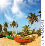 Купить «Старые рыбацкие лодки на пляже в Индии», фото № 4660412, снято 3 декабря 2012 г. (c) Михаил Коханчиков / Фотобанк Лори