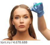Купить «Руки в синих перчатках делают инъекцию в женское лицо», фото № 4678688, снято 8 декабря 2012 г. (c) Syda Productions / Фотобанк Лори