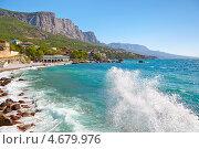 Купить «Шторм на городском пляже. Форос, Крым.», фото № 4679976, снято 8 мая 2013 г. (c) Истомина Елена / Фотобанк Лори
