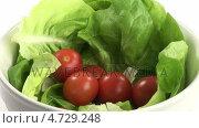 Купить «Stock Footage of Preparing a Healthy Salad», видеоролик № 4729248, снято 23 июля 2019 г. (c) Wavebreak Media / Фотобанк Лори