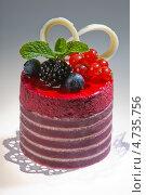Торт  с лесными ягодами. Стоковое фото, фотограф Дмитрий Лифанов / Фотобанк Лори