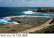Традиционные соляные промыслы на острове Гозо .Мальта (2013 год). Стоковое фото, фотограф Галина Вишнякова / Фотобанк Лори