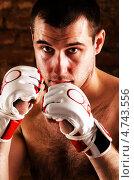 Купить «Мужчина в перчатках», фото № 4743556, снято 12 мая 2013 г. (c) Сергей Петерман / Фотобанк Лори