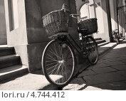 Ретро велосипед. Стоковое фото, фотограф Виктория Кныш / Фотобанк Лори