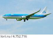"""Купить «""""Boeing 737"""" (бортовой PH-BXR) авиакомпании KLM на посадке в Шереметьево», эксклюзивное фото № 4752716, снято 8 июня 2013 г. (c) Alexei Tavix / Фотобанк Лори"""