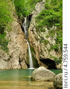 Агурский водопад (2010 год). Редакционное фото, фотограф Алексей Свирин / Фотобанк Лори