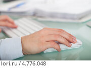 Купить «Руки работника за клавиатурой», фото № 4776048, снято 27 февраля 2013 г. (c) Андрей Попов / Фотобанк Лори