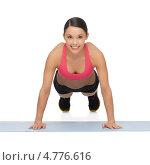 Купить «Стройная девушка занимается спортивной гимнастикой на белом фоне», фото № 4776616, снято 12 января 2013 г. (c) Syda Productions / Фотобанк Лори