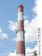 Купить «Заводская труба. Спецзавод №4.(Мусоросжигательный завод по комплексной переработке твердых бытовых отходов) в Москве», эксклюзивное фото № 4778696, снято 19 июня 2013 г. (c) stargal / Фотобанк Лори