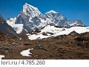Купить «Красивый горный пейзаж. Вид на Чолатце и Табуче Пик. Гималаи», фото № 4785260, снято 9 апреля 2013 г. (c) Оксана Гильман / Фотобанк Лори