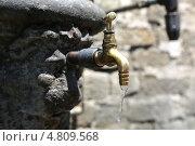 Кран с водой. Стоковое фото, фотограф Сергей Аряев / Фотобанк Лори