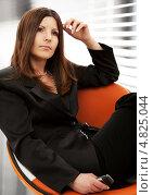 Купить «Успешная деловая женщина в темном костюме», фото № 4825044, снято 19 июня 2007 г. (c) Syda Productions / Фотобанк Лори
