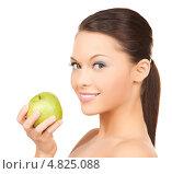 Купить «Красивая молодая женщина с зеленым яблоком в руках», фото № 4825088, снято 28 февраля 2010 г. (c) Syda Productions / Фотобанк Лори