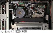 Купить «Внутренние механизмы видеомагнитофона», видеоролик № 4826700, снято 1 июля 2013 г. (c) Данил Руденко / Фотобанк Лори