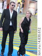 Купить «Виктория Толстоганова со  спутником на  закрытии Кинотавра в Сочи 2013», фото № 4830612, снято 9 июня 2013 г. (c) Захарова Татьяна / Фотобанк Лори