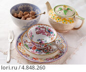 Купить «Старинная посуда для чаепития», фото № 4848260, снято 12 ноября 2019 г. (c) Food And Drink Photos / Фотобанк Лори