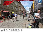 Разноцветная республика Нойштадт.  Дрезден, Германия (2013 год). Редакционное фото, фотограф Irina Kolokolnikova / Фотобанк Лори