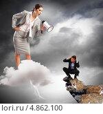 Купить «Молодая бизнес-леди с рупором делает строгий выговор подчиненному», фото № 4862100, снято 15 августа 2018 г. (c) Sergey Nivens / Фотобанк Лори