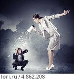 Купить «Разгневанная начальница и подчиненный в ужасе», фото № 4862208, снято 18 октября 2018 г. (c) Sergey Nivens / Фотобанк Лори
