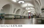 Купить «Станция метро, таймлапс», видеоролик № 4878408, снято 21 июля 2013 г. (c) Кирилл Трифонов / Фотобанк Лори