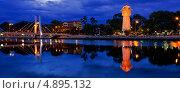 Город Фантхьет и водонапорная башня в ночное время. Вьетнам. Стоковое фото, фотограф Nikolay Grachev / Фотобанк Лори
