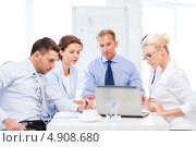 Купить «Совещание коллег в офисе», фото № 4908680, снято 9 июня 2013 г. (c) Syda Productions / Фотобанк Лори