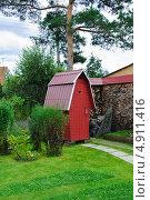 Купить «Туалет на приусадебном участке», эксклюзивное фото № 4911416, снято 24 августа 2012 г. (c) Алёшина Оксана / Фотобанк Лори