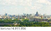 Купить «Панорама Москвы, вид с Воробьевых гор», фото № 4911956, снято 13 июня 2013 г. (c) ИВА Афонская / Фотобанк Лори