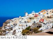 Купить «Вид на город Ия, остров Санторини, Греция», фото № 4913032, снято 5 сентября 2010 г. (c) ElenArt / Фотобанк Лори