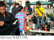 Купить «Блошиный рынок», фото № 4927176, снято 12 мая 2013 г. (c) Иван Нестеров / Фотобанк Лори