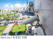Купить «Камеры видеонаблюдения на площади Конституции в Санкт-Петербурге», фото № 4933108, снято 6 августа 2013 г. (c) Кекяляйнен Андрей / Фотобанк Лори