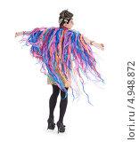 Купить «Актер травести в женском костюме с пестрыми лентами», фото № 4948872, снято 11 августа 2013 г. (c) Discovod / Фотобанк Лори