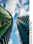 Две башни (2013 год). Стоковое фото, фотограф Дмитрий Зубаркин / Фотобанк Лори