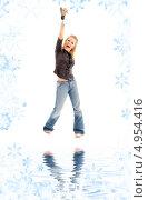 Купить «Поющая у воды девушка», фото № 4954416, снято 25 ноября 2006 г. (c) Syda Productions / Фотобанк Лори