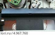 Купить «Видеомагнитофон», видеоролик № 4967760, снято 18 августа 2013 г. (c) Иван Четвериков / Фотобанк Лори