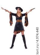 Купить «Женщина в образе пирата с пистолетом и ножом на белом фоне», фото № 4974440, снято 10 января 2013 г. (c) Elnur / Фотобанк Лори