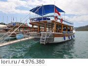 Пришвартованная яхта в Средиземном море (2010 год). Редакционное фото, фотограф Овчинникова Татьяна / Фотобанк Лори