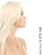 Купить «Красивая юная блондинка улыбается на белом фоне», фото № 4979148, снято 19 июля 2008 г. (c) Syda Productions / Фотобанк Лори