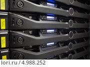 Блок сервера хранения данных крупным планом. Стоковое фото, агентство Wavebreak Media / Фотобанк Лори