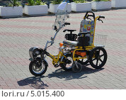 Супермобиль - инвалидная коляска (2013 год). Редакционное фото, фотограф Евгений Волвенко / Фотобанк Лори